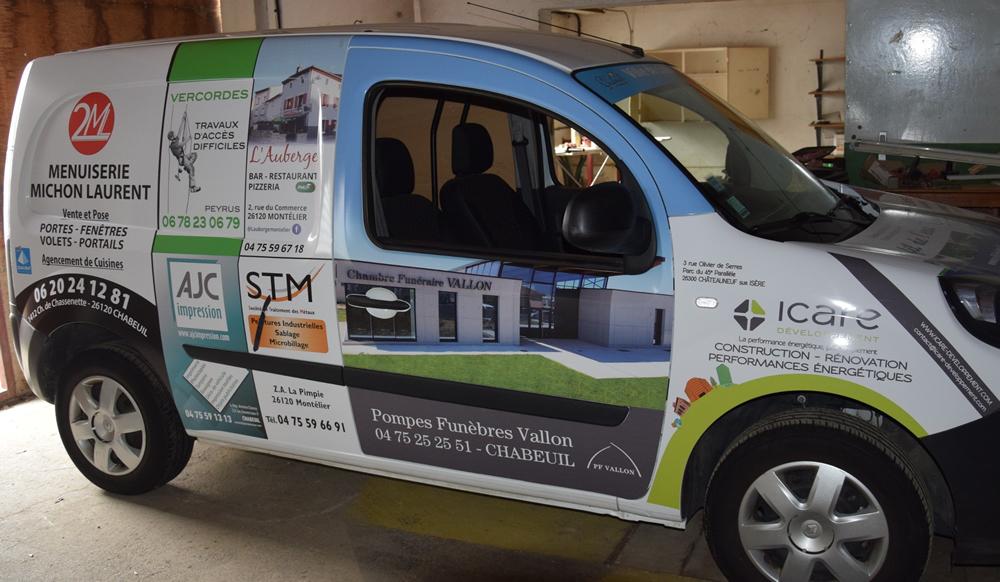 AJC Impression, partenaire du véhicule utilitaire municipal de la commune de Chabeuil